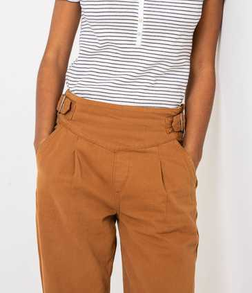 Chino femme taille haute